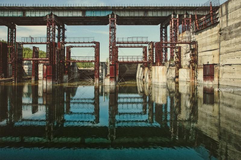 Заброшенная Крапивинская ГЭС, река Томь