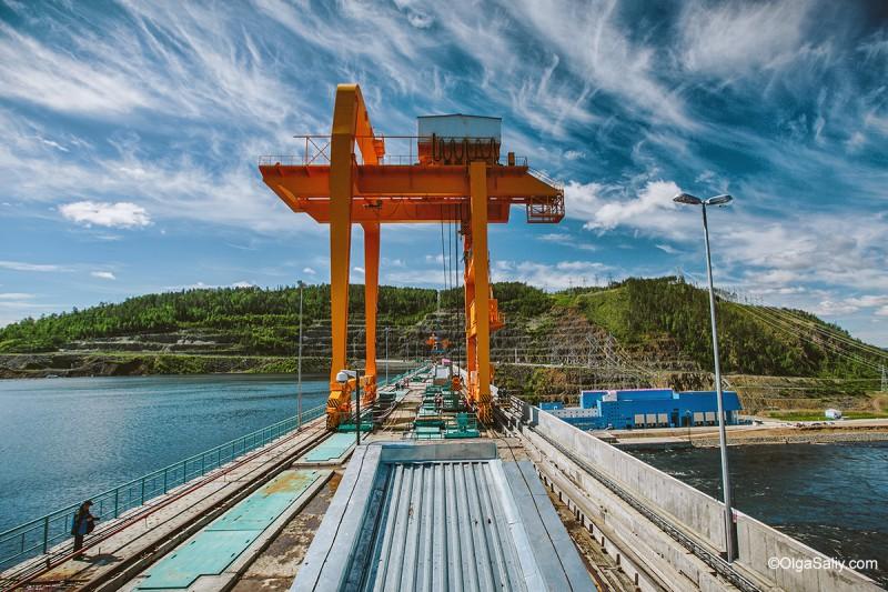 Строительство дороги на Бо ГЭС