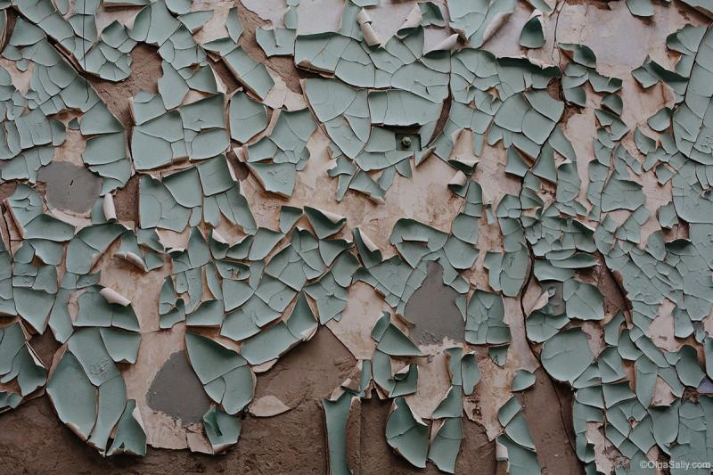Стена в заброшенном здании