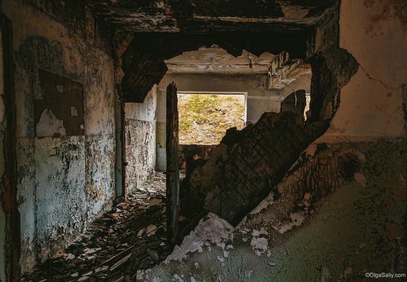 Заброшенные здания, ртутный рудник на Алтае