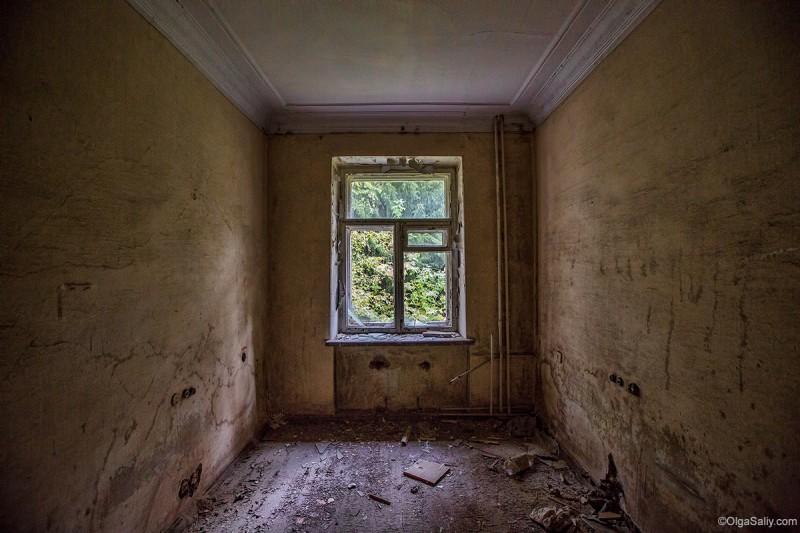 Заброшенный Речкуновский санаторий Новосибирск (20)