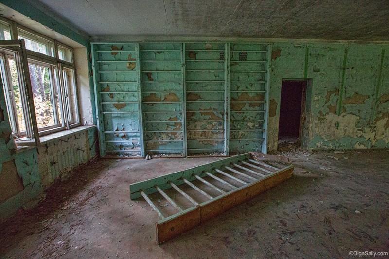Спортивный зал в заброшенном санатории