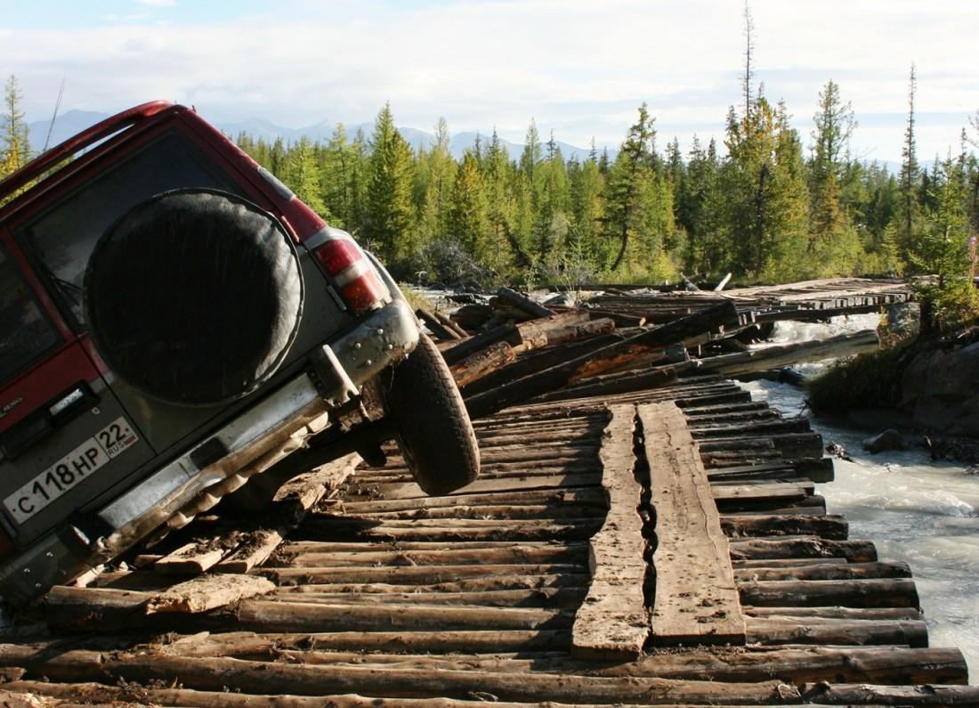 Дороги на Алтае: сломанный мост на Актру