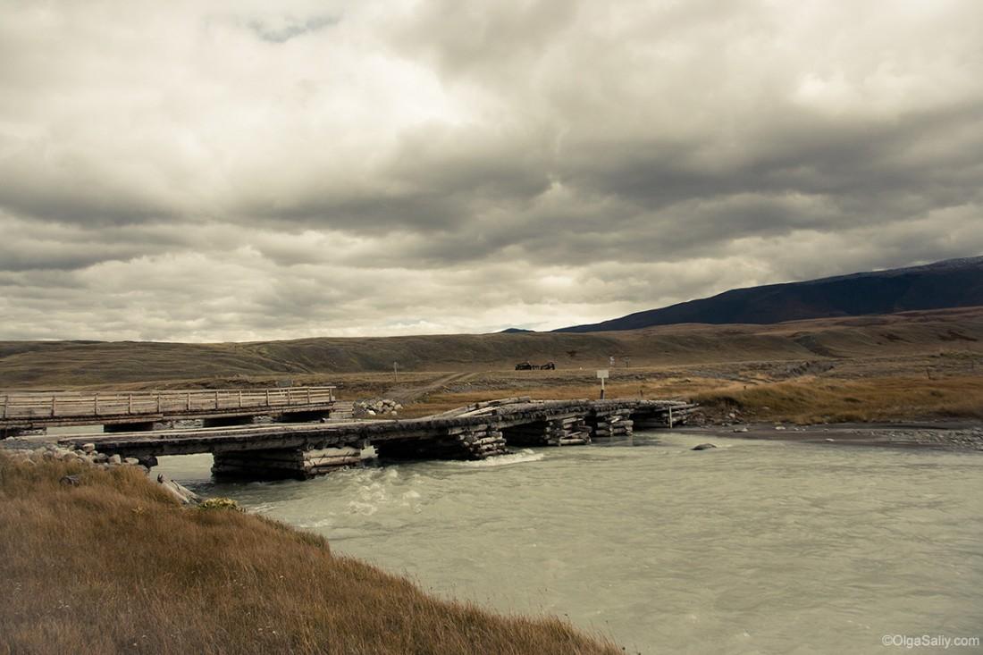Авто дороги на Алтае. Мост через реку