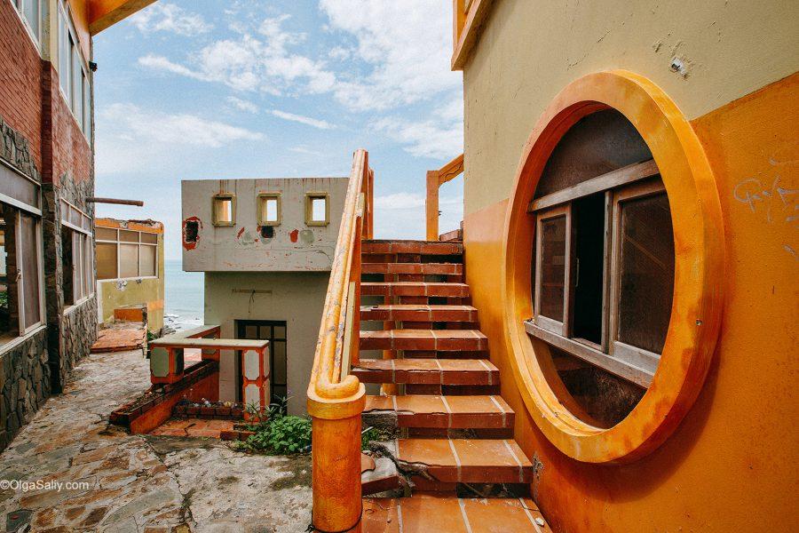 Заброшенный отель в Вунгтау