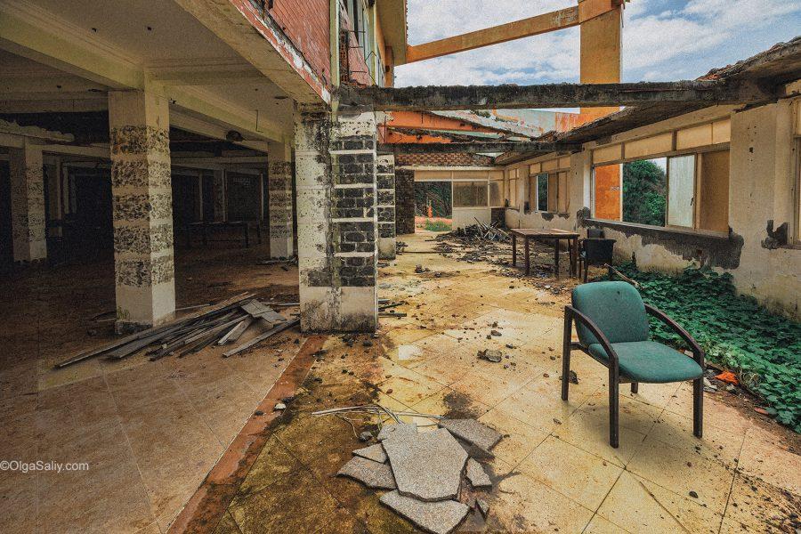 Вьетнам, заброшенный отель фото