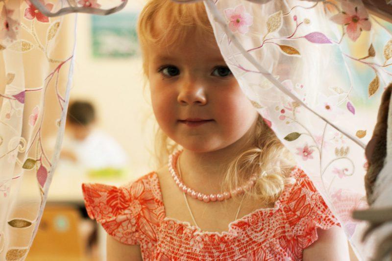 Девочка в русском садике