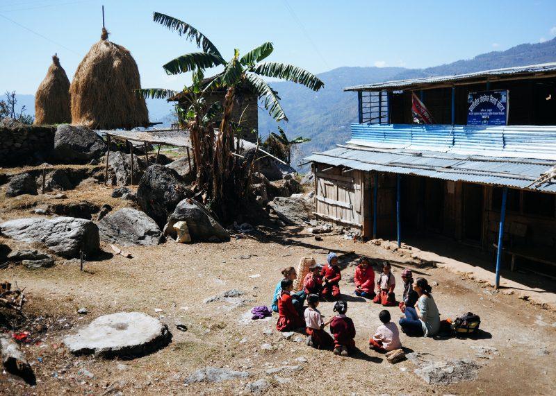 Строительство школы в Непале. Волонтёры (27)