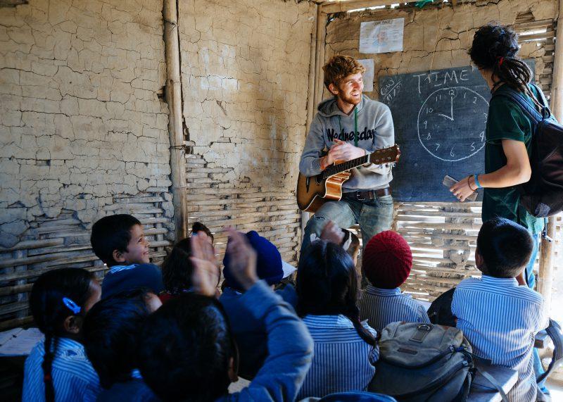 Строительство школы в Непале. Волонтёры (12)