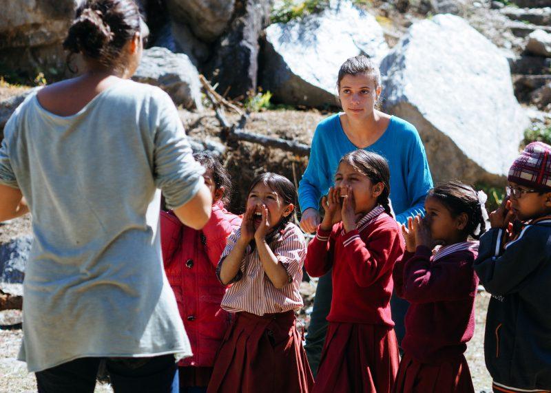 Строительство школы в Непале. Волонтёры (1)