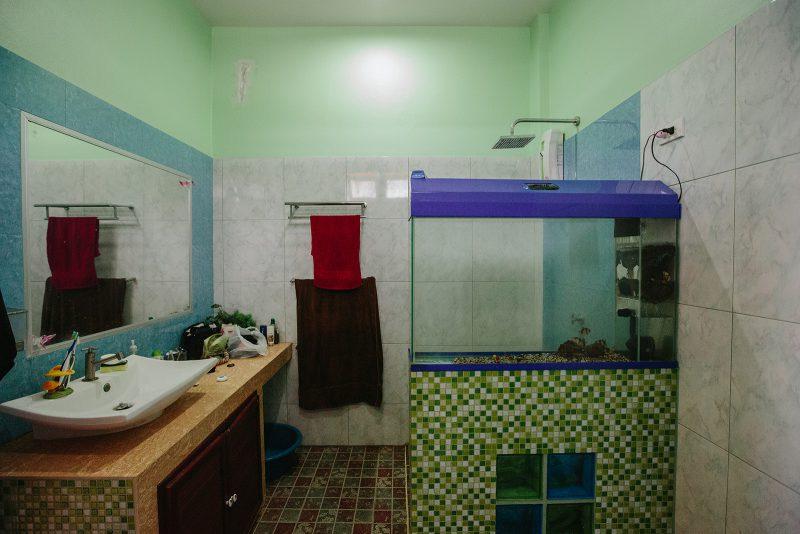 Туалет и душ. Аренда студии на Самуи