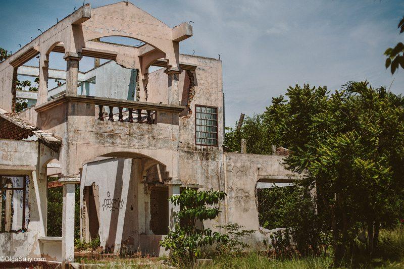 Заброшенный отель в Таиланде