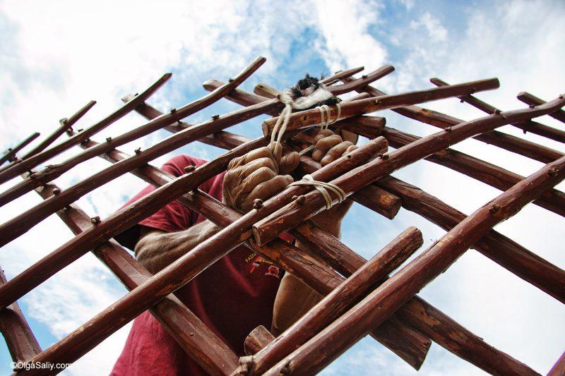 Как строят юрту в Киргизии