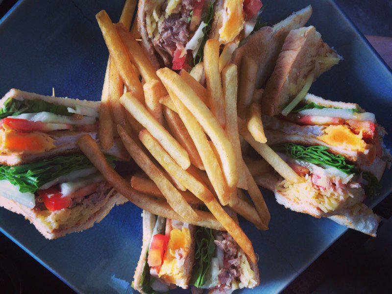 Клаб-сэндвич в Treehouse Самуи