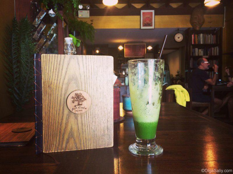 Свежевыжаый сок из зелени на Самуи