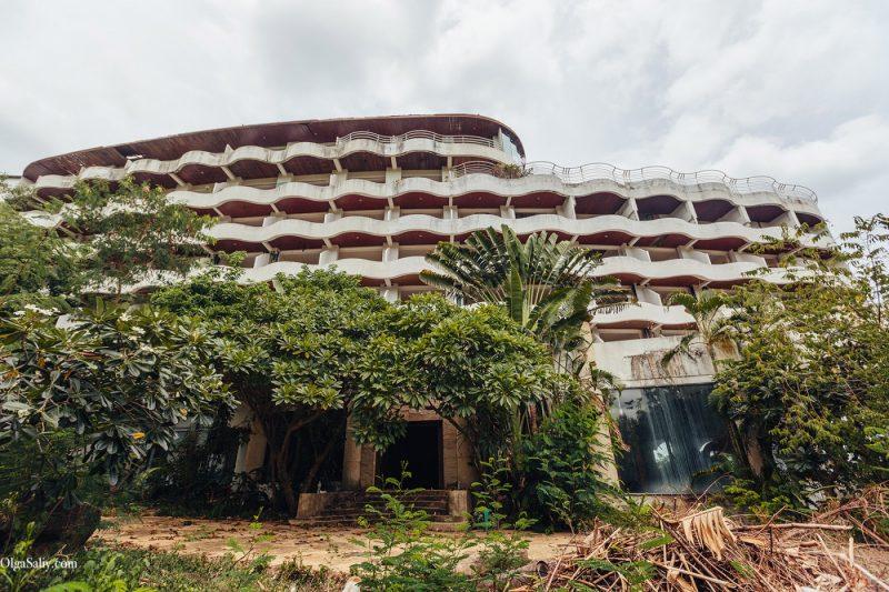 Заброшенный отель в Тайланде №404 (18)