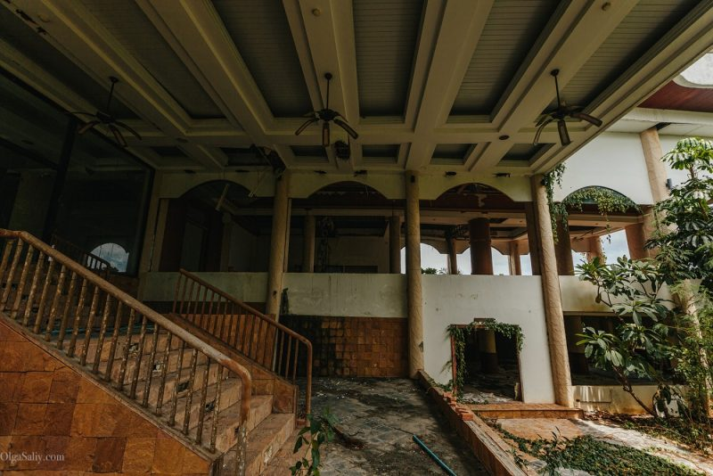 Заброшенный отель в Тайланде №404 (15)