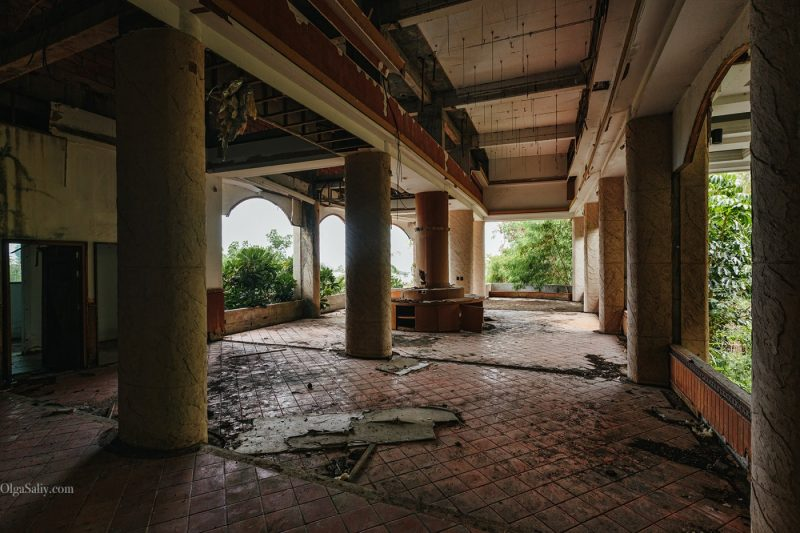 Заброшенный отель в Тайланде №404 (13)