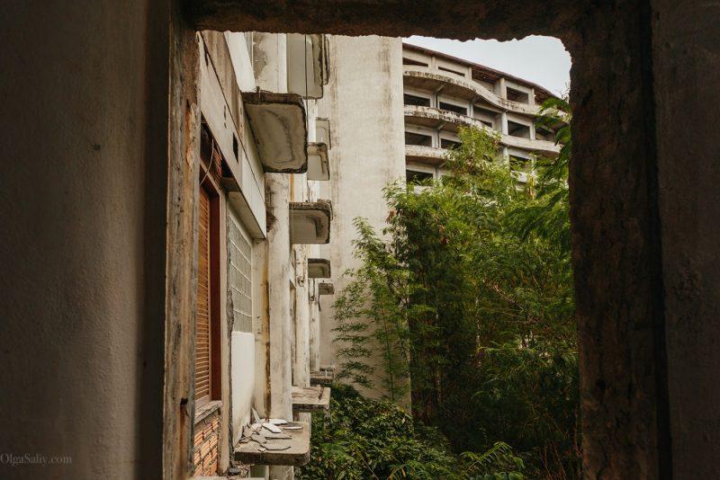 Заброшенный отель в Тайланде №404 (12)