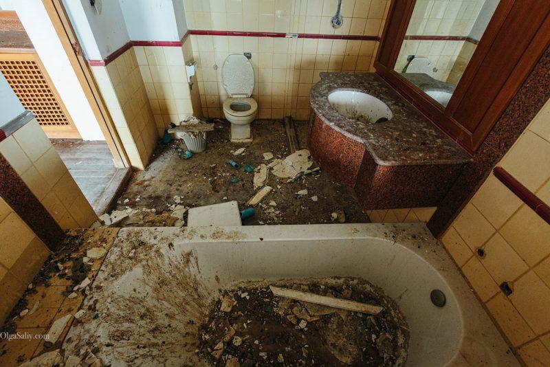 Заброшенный отель в Тайланде №404 (7)