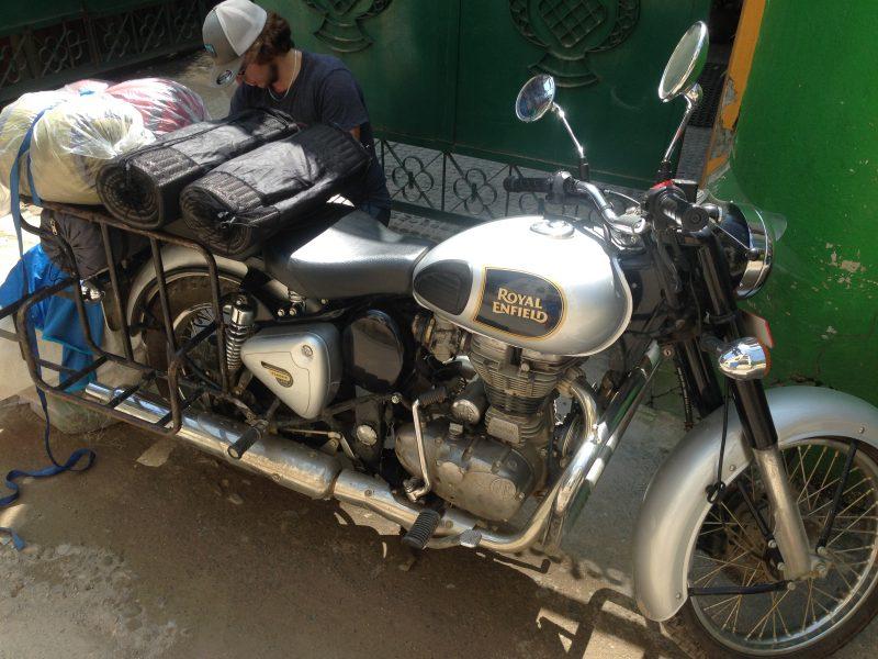 Мотоцикл Royal Enfield для путешествий