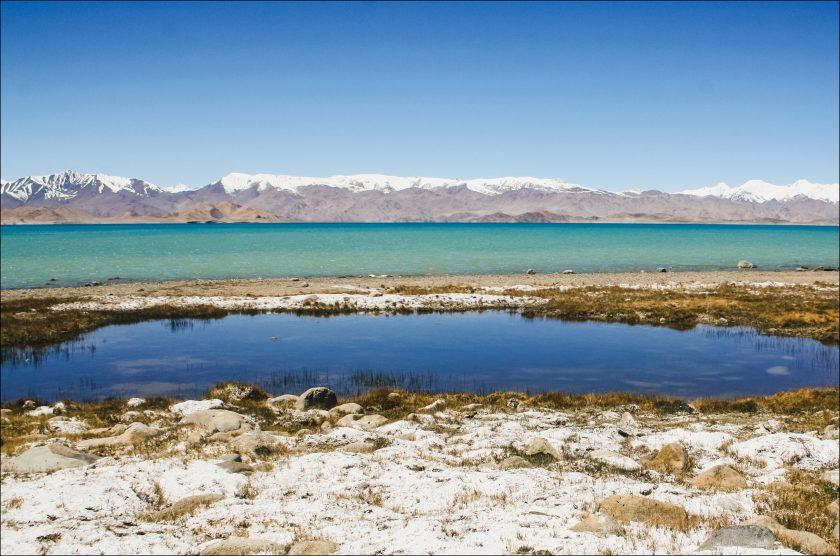 Горное озеро Каракуль, Памир