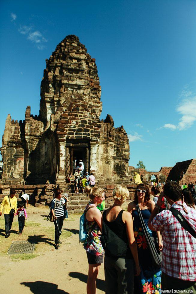 Храм обезьян в Лопбури, Тайланд (44)