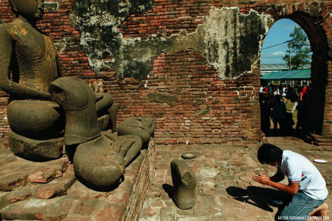 Храм обезьян в Лопбури, Тайланд (28)