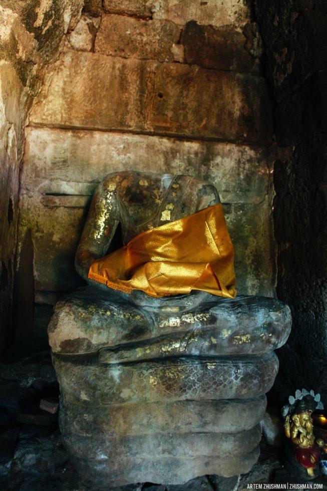 Храм обезьян в Лопбури, Тайланд (3)