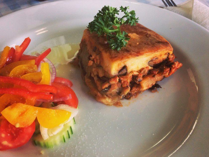 Греческая еда на Самуи, запеканка