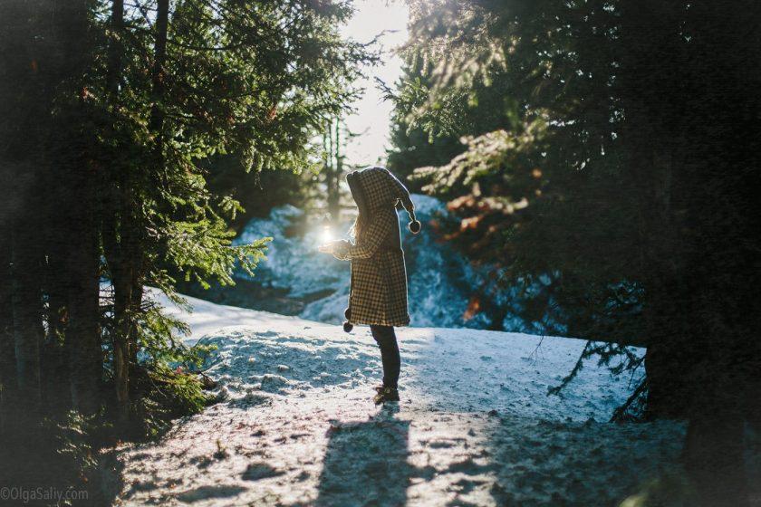 Фотограф в Шерегеше, фотосессия -прогулка по сказочному лесу