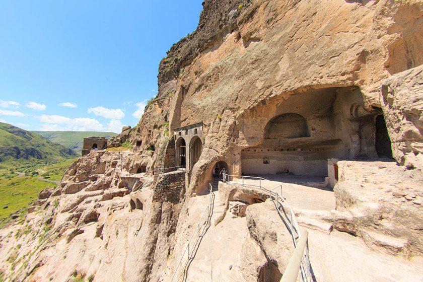 Вардзия, пещерный город в Грузии
