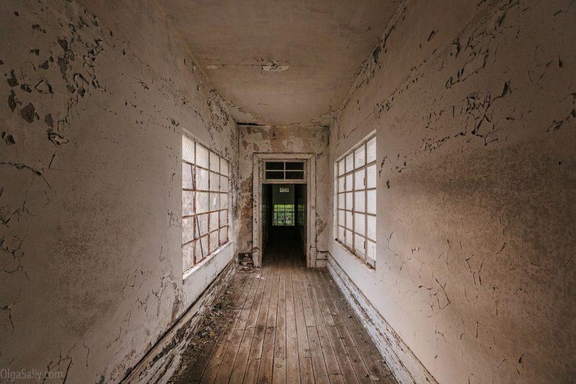Коридор в заброшенном санатории