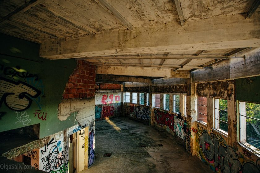 Заброшенный отель в Лиссабоне (10)