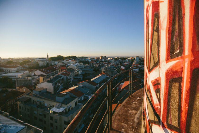 Вид на Порто с заброшенной водонапорной башни