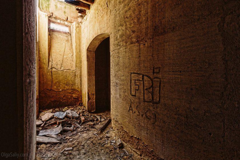 Заброшенный замок мусорного короля в Португалии. Лиссабон (5)