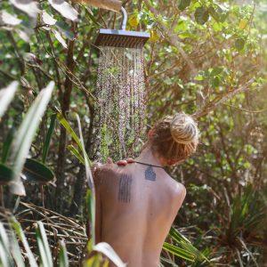 Душ в джунглях на Бали