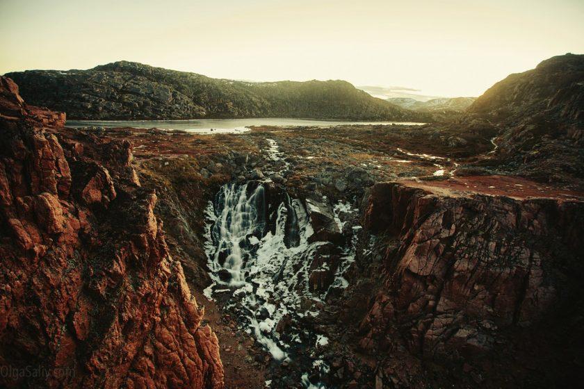 Водопад и природа за Териберкой