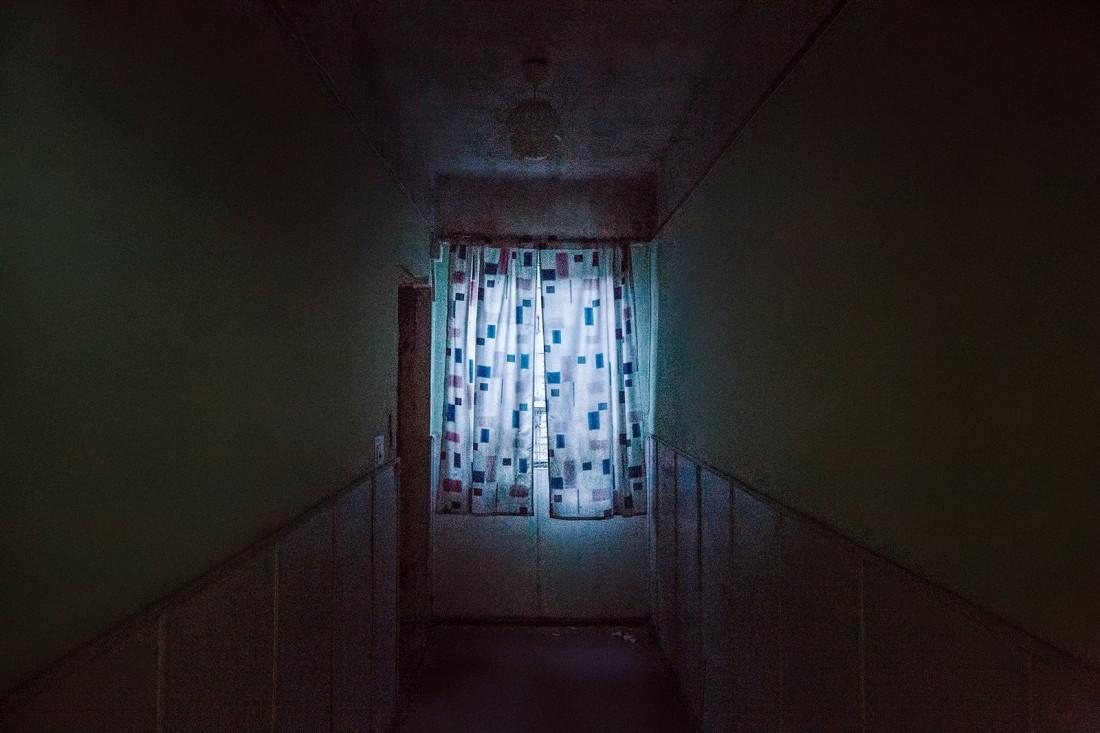 Зловещее окно