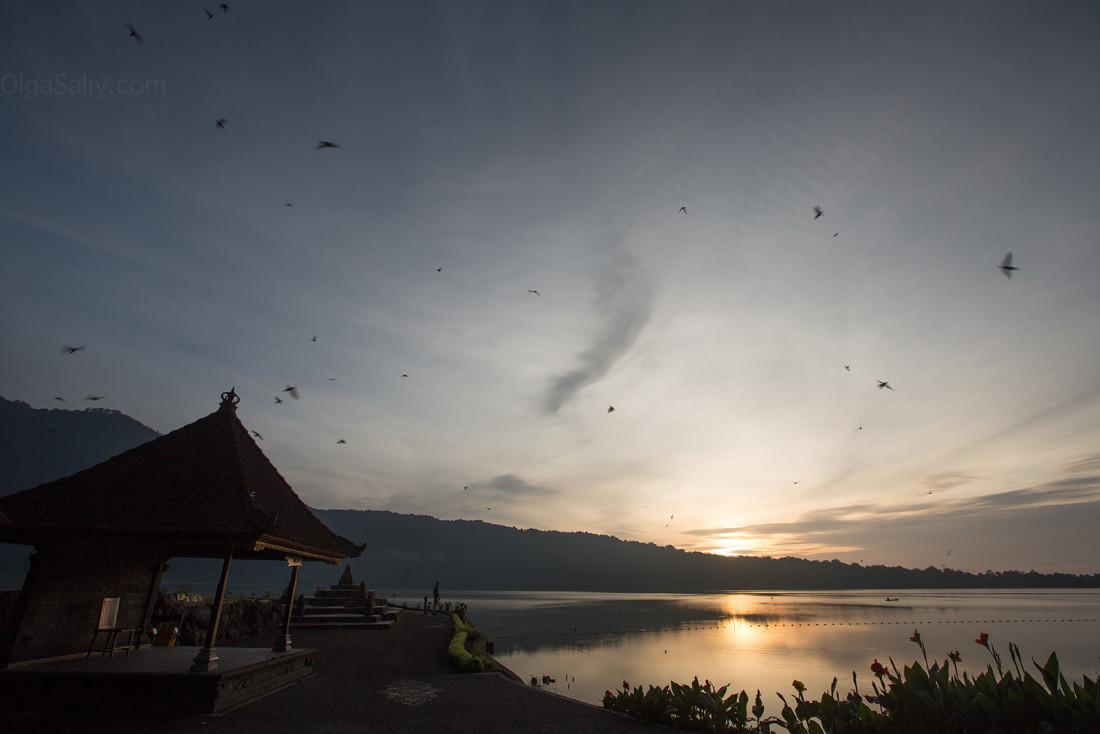 Pura Ulun Danu Bratan, Бали. Храм на горном озере (12)