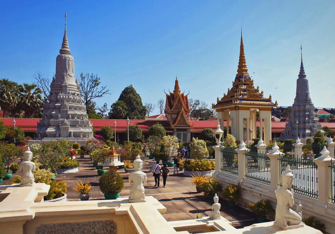 Пномпень, что посмотреть и как добраться